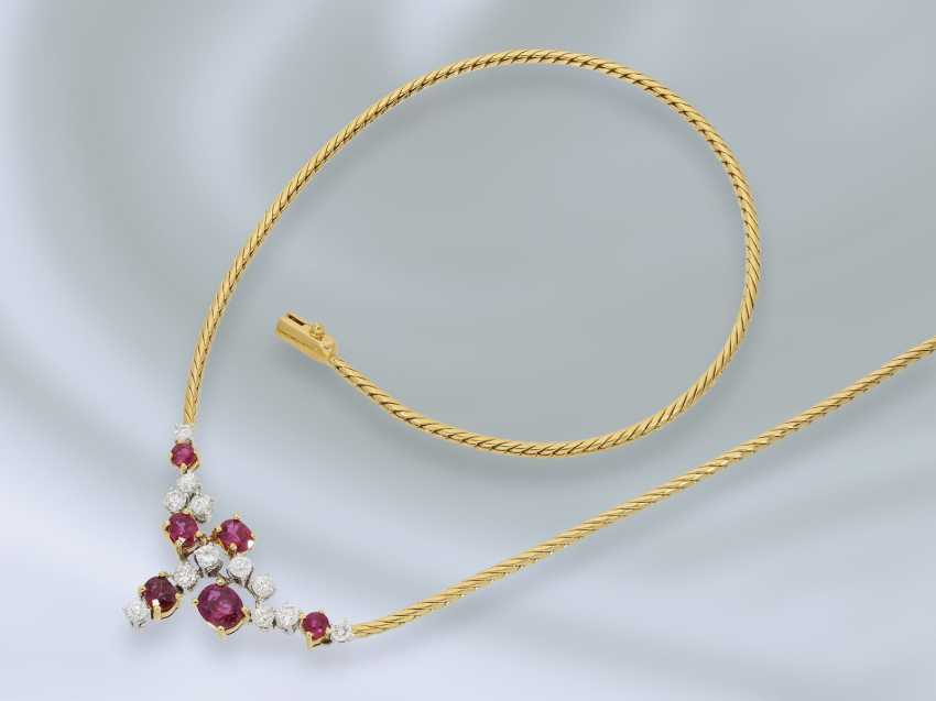 Chain/necklace: fine and decorative vintage middle part of the necklace with ruby/diamond trimming, crafted from 18K Gold, approx 2.3 ct - photo 2