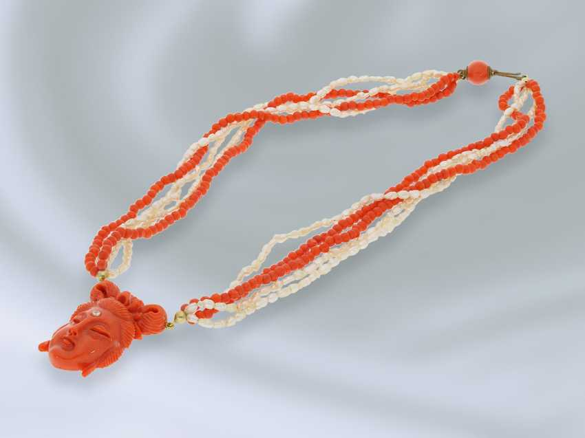 Chain/necklace: rare, multi strand vintage beads/coral necklace with fine coral cameo, probably from the Art Deco period - photo 2