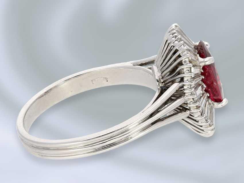 Кольцо: очень высокое качество, 18K белый золотистый винтаж Рубин/алмаз-ювелирные кольцо, высоко точный Rubin около 1,8 ct - фото 2