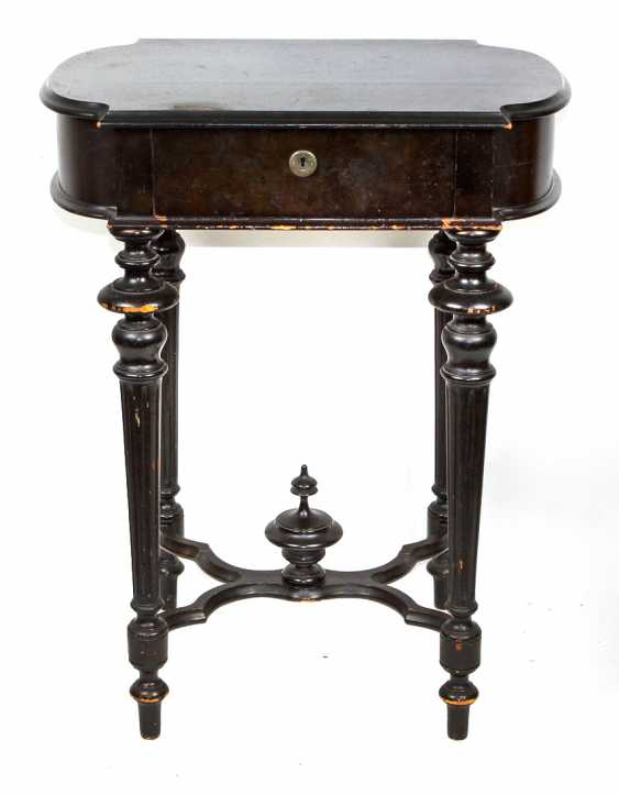 Historicism sewing table 1880 - photo 1