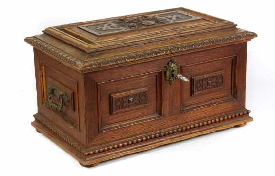 carved historicism chest to 1880 - photo 4