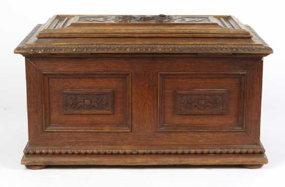 carved historicism chest to 1880 - photo 5