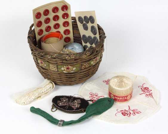 Basket with Beadwork Borde, among other things, - photo 1
