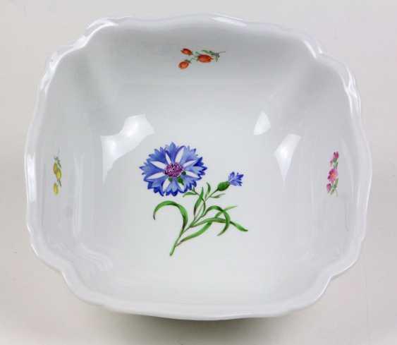 Meissen Serving Plate Has A *Flower 1* - photo 1