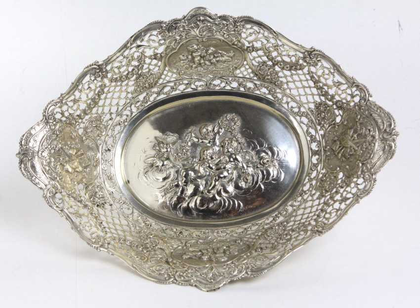 large silver bowl with Putti - photo 1