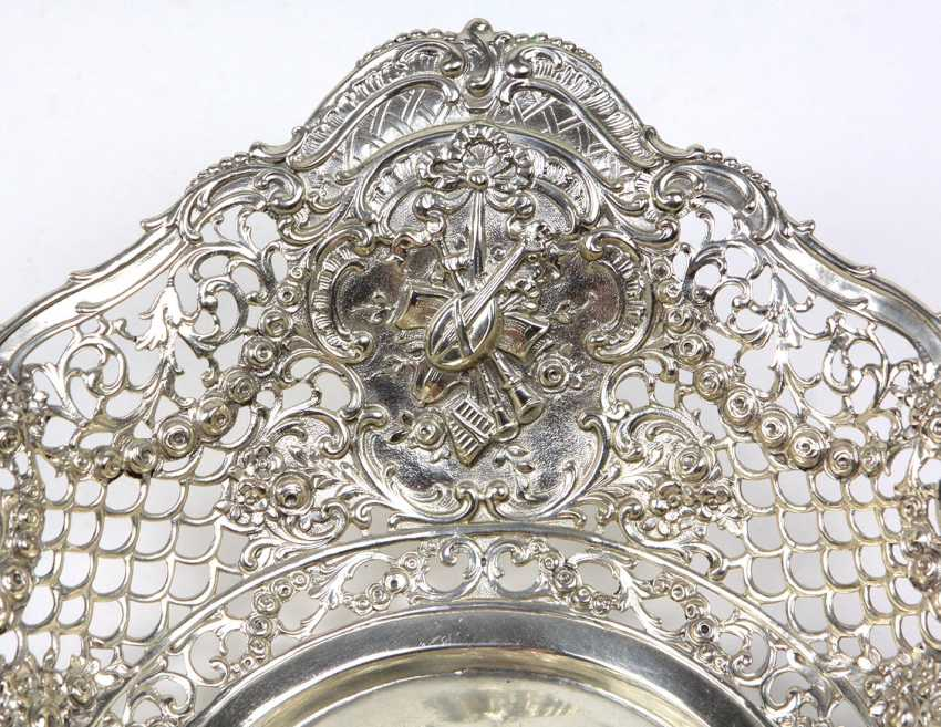 large silver bowl with Putti - photo 3