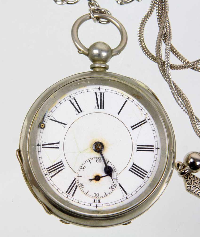 Key pocket watch with chain - photo 2