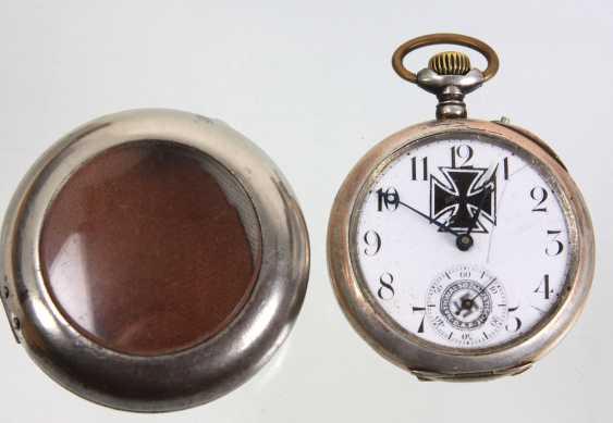 Patriotic pocket watch in a capsule - photo 3