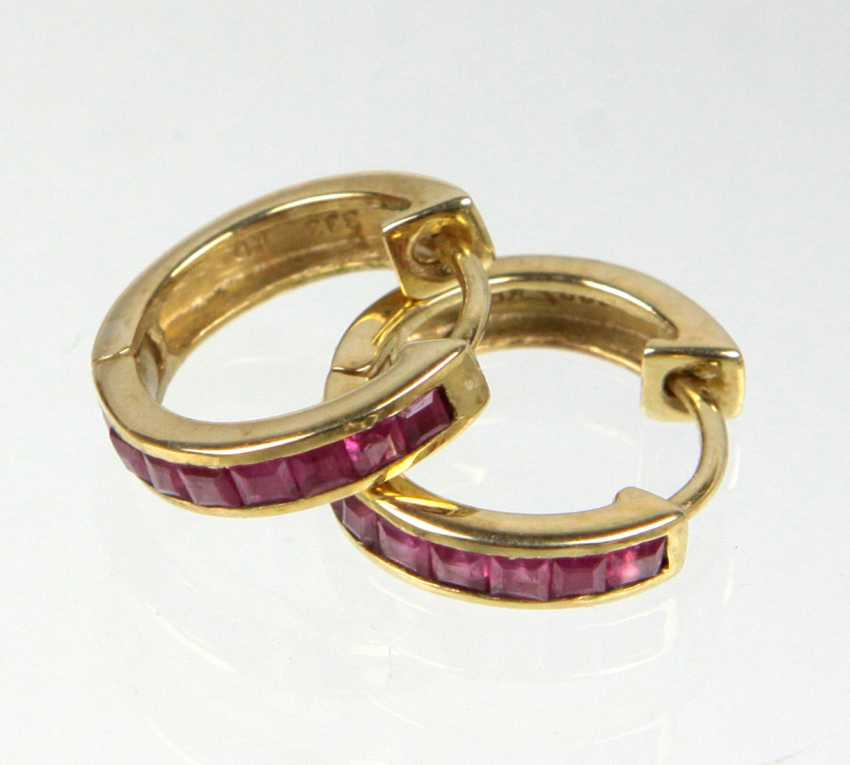 Hoop earrings with ruby - yellow gold 333 - photo 1