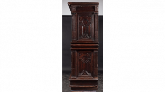Cabinet in walnut carved opening four doors and two drawers - photo 3