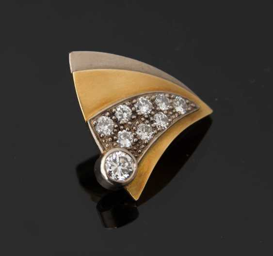 Gold brooch WITH DIAMONDS, 750 solid yellow gold. - photo 1