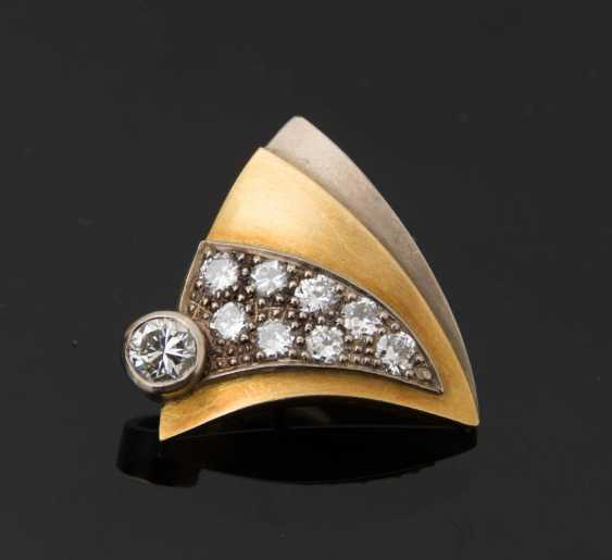 Gold brooch WITH DIAMONDS, 750 solid yellow gold. - photo 2
