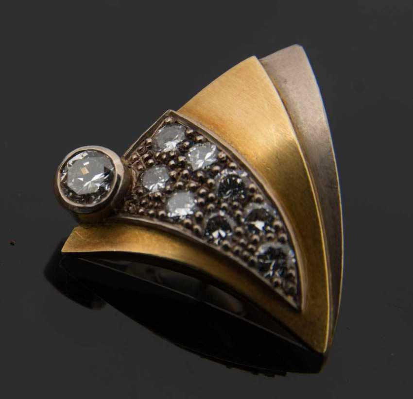 Gold brooch WITH DIAMONDS, 750 solid yellow gold. - photo 3