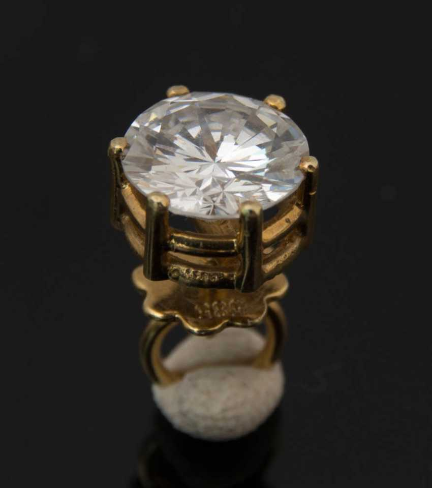 Plug, a 1.1-carat, 585 yellow gold, BRILLIANT. - photo 1