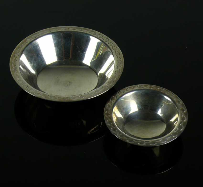 2 small bowls - photo 1
