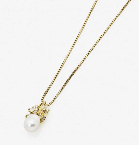 Pendant with South sea cultured pearl and diamonds - photo 1