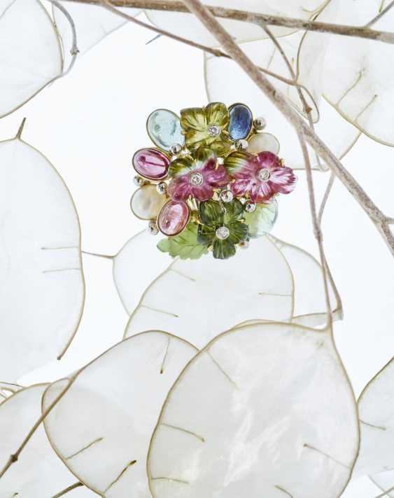 Цветки кольцо с турмалин, бриллианты, жемчуг, нефрит и сапфир - фото 1