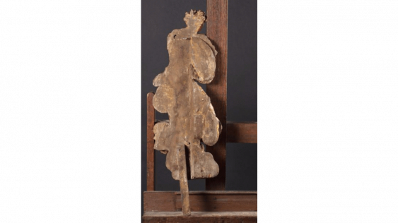 Two figures of adoring angels dressed in drapery in carved and gilded wood - photo 2