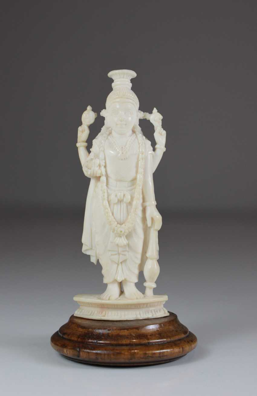 Auction Bone Carving India 20 Century Buy Online By Veryimportantlot Com Auction Catalog Art And Antiques From 21 09 2019 Photo Price Auction Lot 813