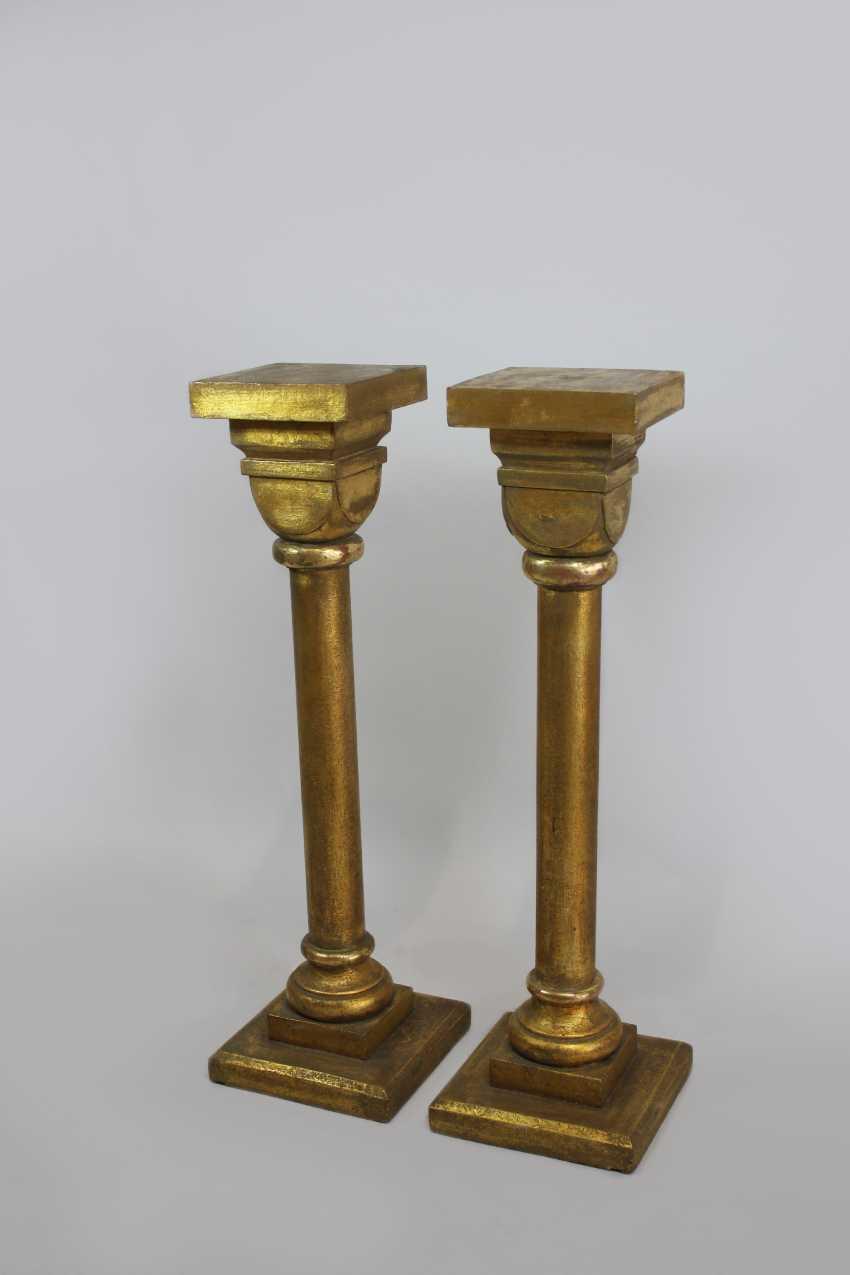 лот 1022 две цветочные колонны деревянные из аукциона