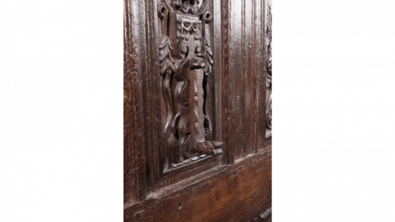Beautiful door in walnut carved, six-panels with a decoration of grotesques, gargoyles, fantastic birds, satyrs, candelabras and environments of braid. - photo 3