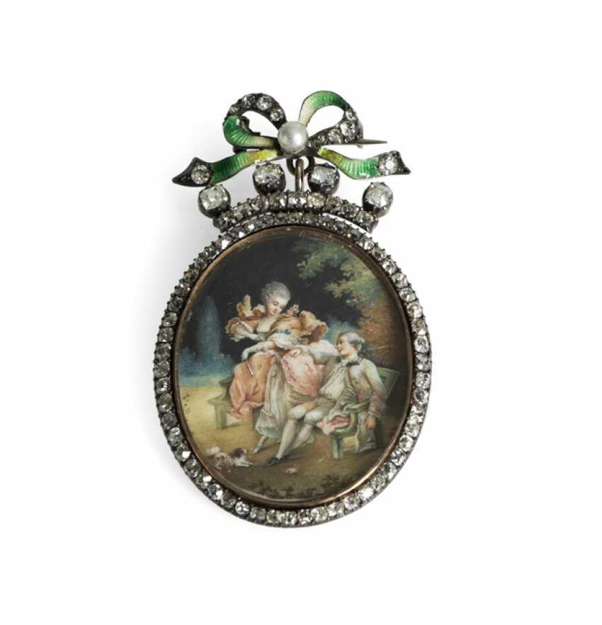 Locket pendant with miniature painting - photo 1