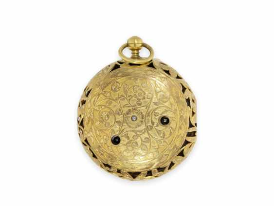 Pocket watch: extremely rare, large early London Halsuhr with Alarm, Henry Godfrey, London, CA. 1685 - photo 8