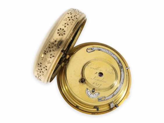 Pocket watch: particularly heavy Swedish double case-Spindeluhr with percussion and the figure of slot machine, CA. 1800 - photo 5