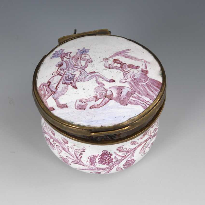 Round enamel box with purple painting - photo 1