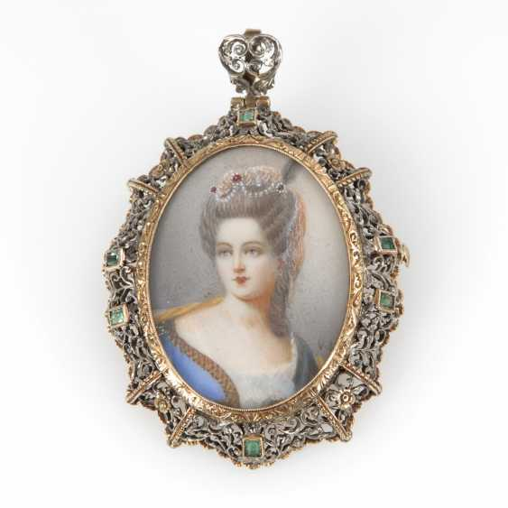Brooch/pendant with ladies ' portrait, the end of the 19th century - photo 1