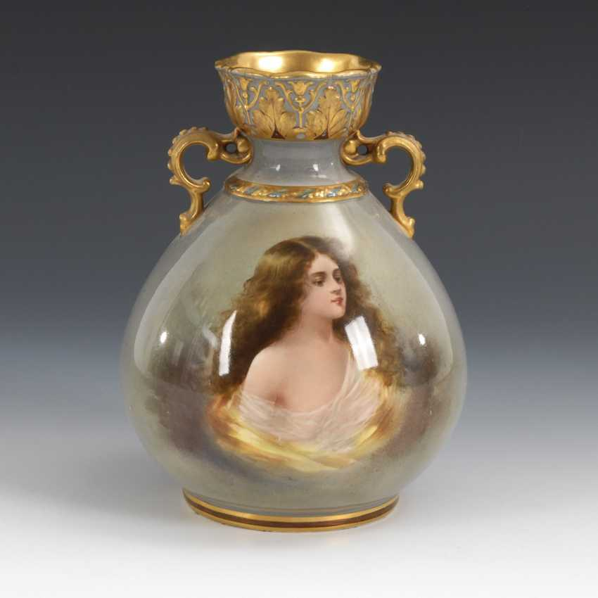 Small green at the moment-Vase with portrait of Girl, MEHLEM / BONN - photo 1