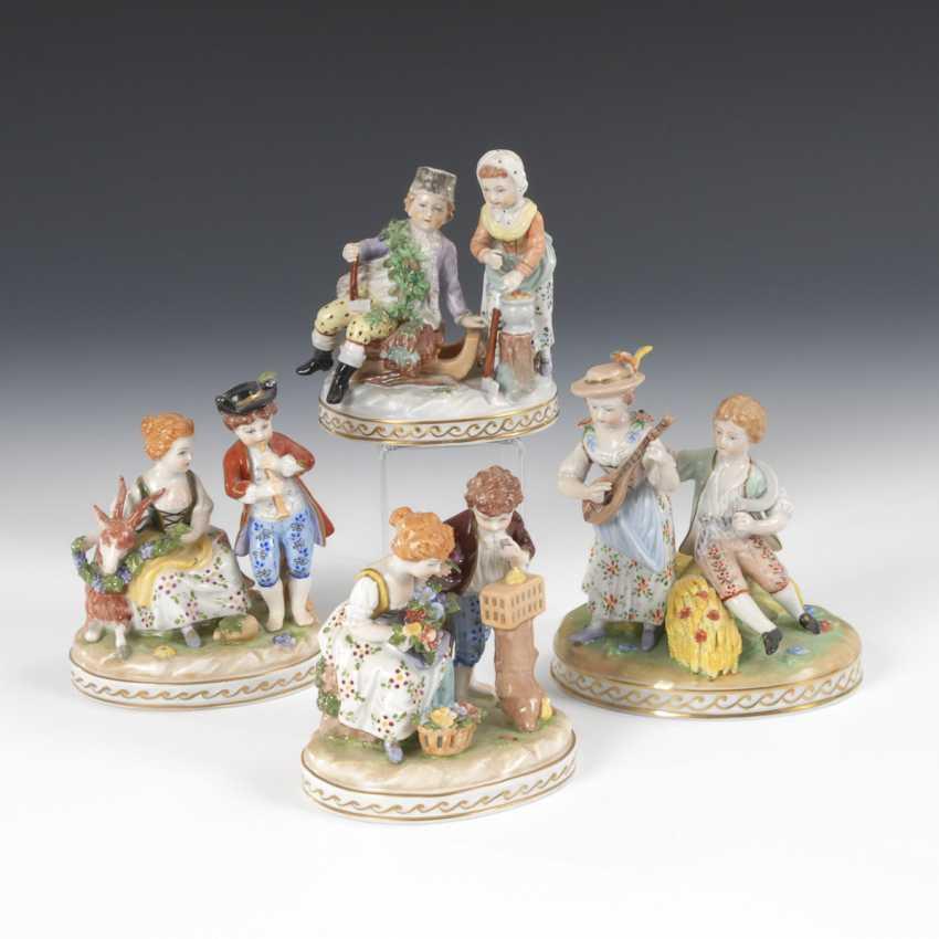 "Four groups of figures ""The four seasons"", POTSCHAPPEL - photo 1"