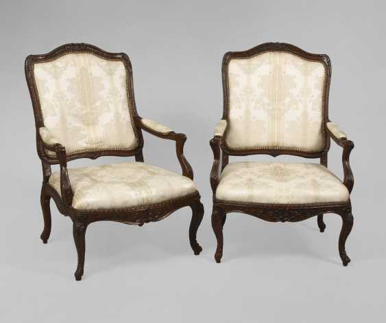 2 Baroque Armchairs - photo 1