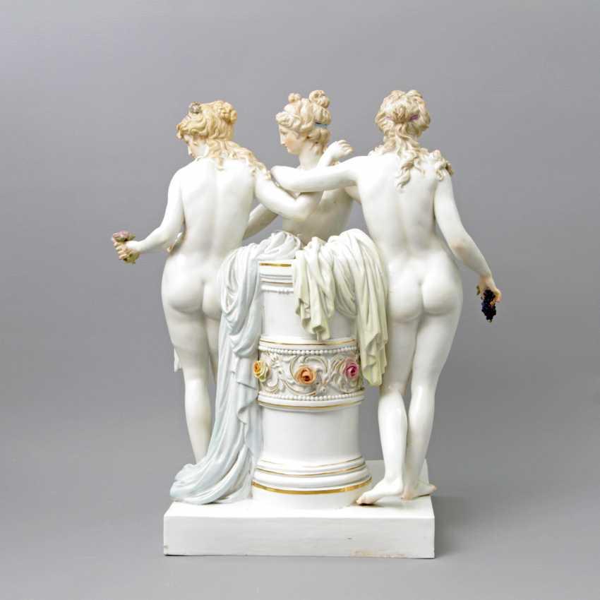 """MEISSEN herausragende Figurengruppe """"Die drei Grazien"""", 1. H. 20. Jahrhundert - photo 2"""