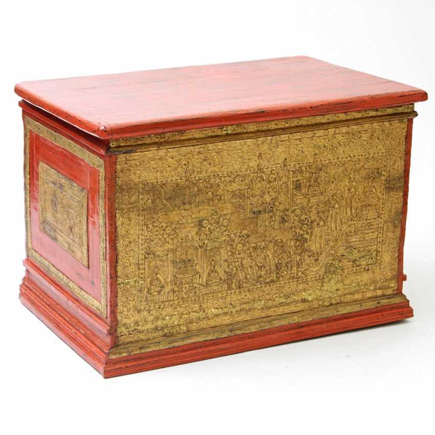 Prächtige Holztruhe zur Aufbewahrung von Manuskripten. BURMA, 19. Jahrhundert, Mandalay-Periode - photo 1