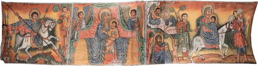 ОЧЕНЬ БОЛЬШОЙ КОПТСКИЙ ТЕКСТИЛЬ С ТРОНА КОНЦЫ БОЖИЕЙ МАТЕРИ В ОКРУЖЕНИИ СВЯТЫХ ГЕОРГИЯ И БЕГСТВО В ЕГИПЕТ - фото 1