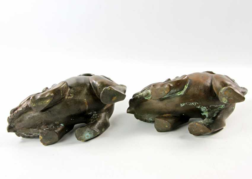 A Couple of front-of-house dogs made of Bronze. CHINA, 1. Half of the 20. Century - photo 5