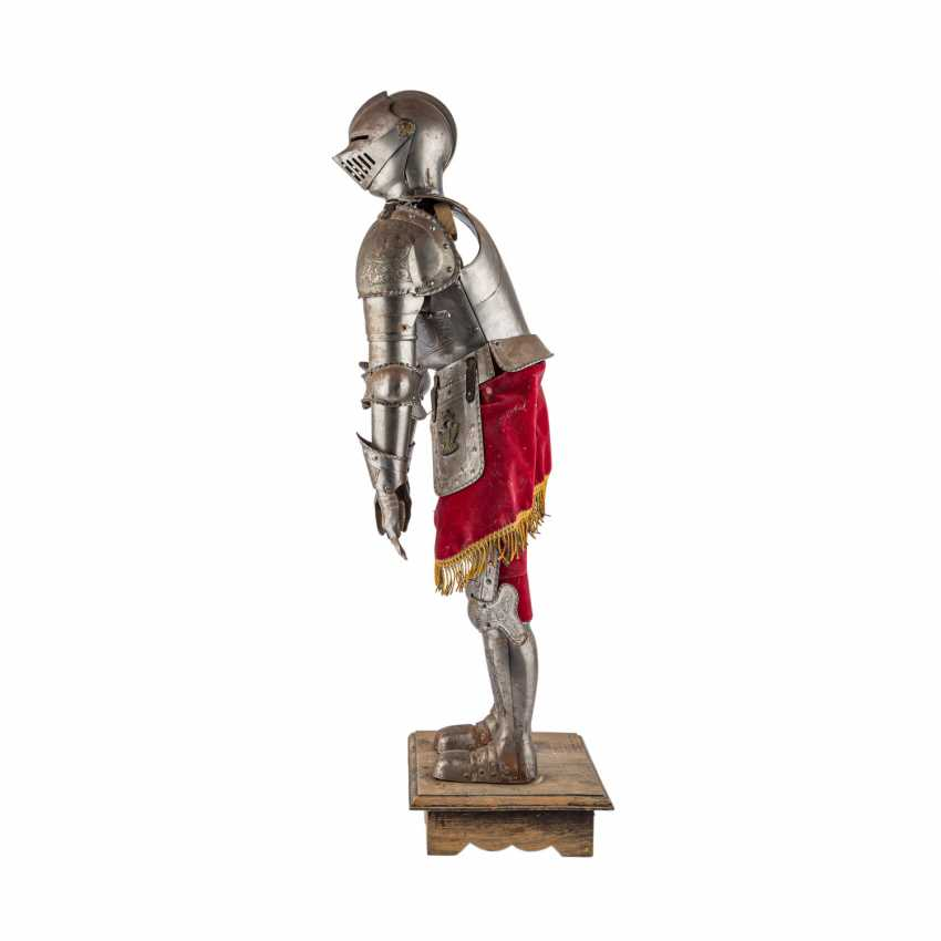Small decorative knight's armor is probably the end of 19./At the beginning of 20. Century, - photo 2