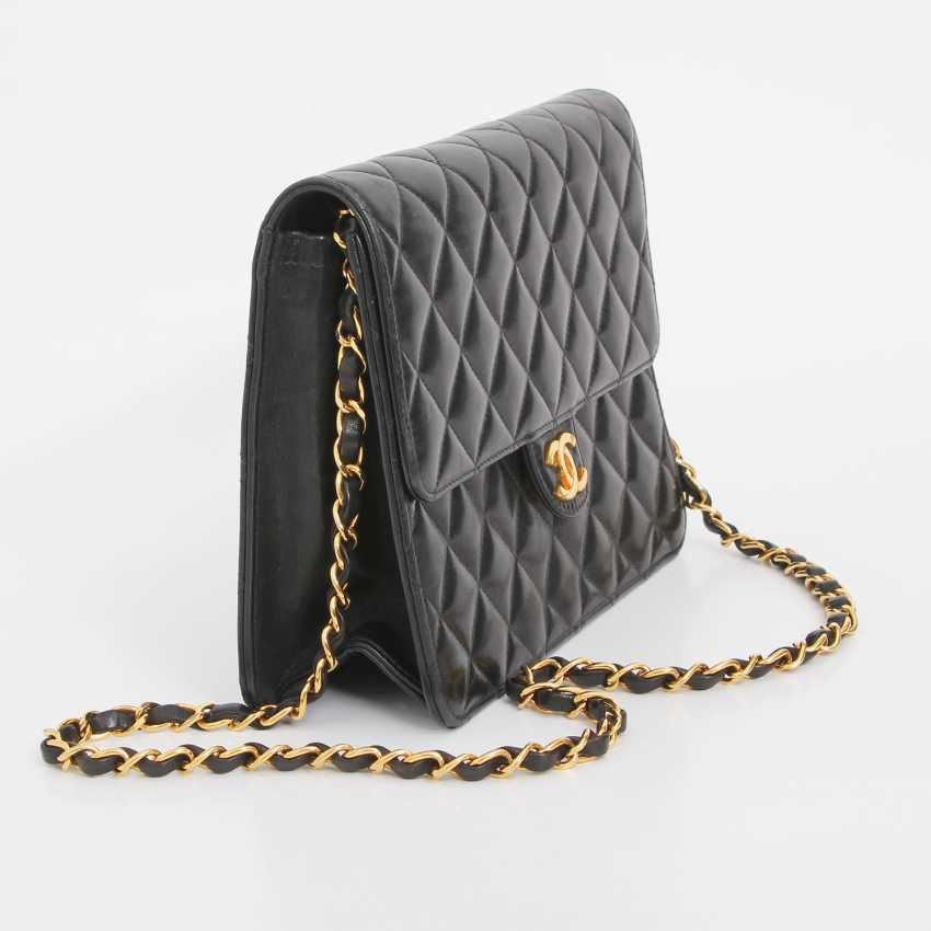 a2977feac7e9 CHANEL VINTAGE popular shoulder bag