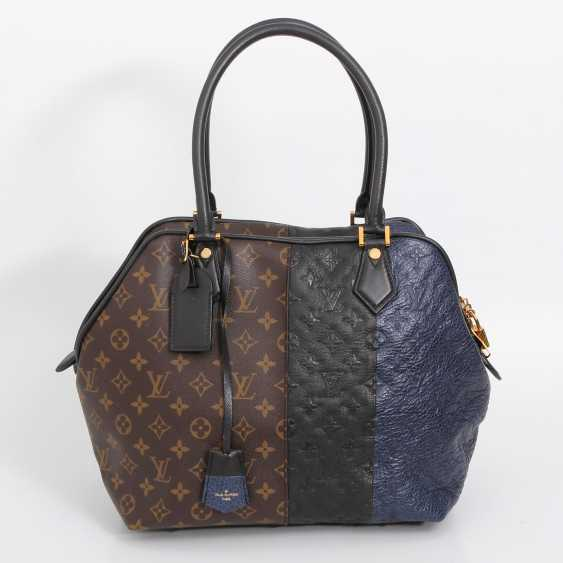 "LOUIS VUITTON exclusive sling bag ""MARINE BLOCK TOTE"", collection 2011. - photo 1"
