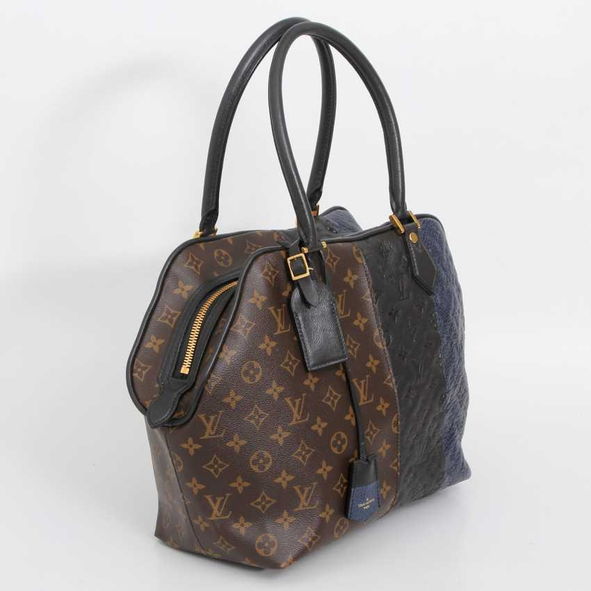"LOUIS VUITTON exclusive sling bag ""MARINE BLOCK TOTE"", collection 2011. - photo 2"