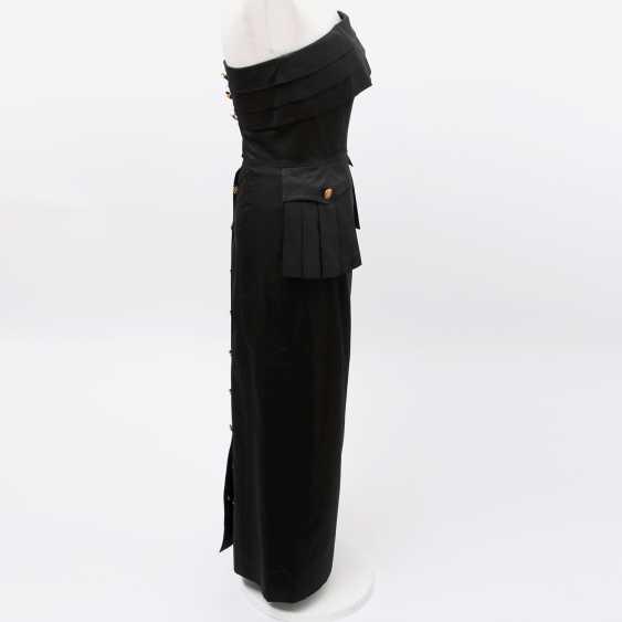 CHANEL VINTAGE elegant, figure-hugging sheath dress, Size 36; - photo 3