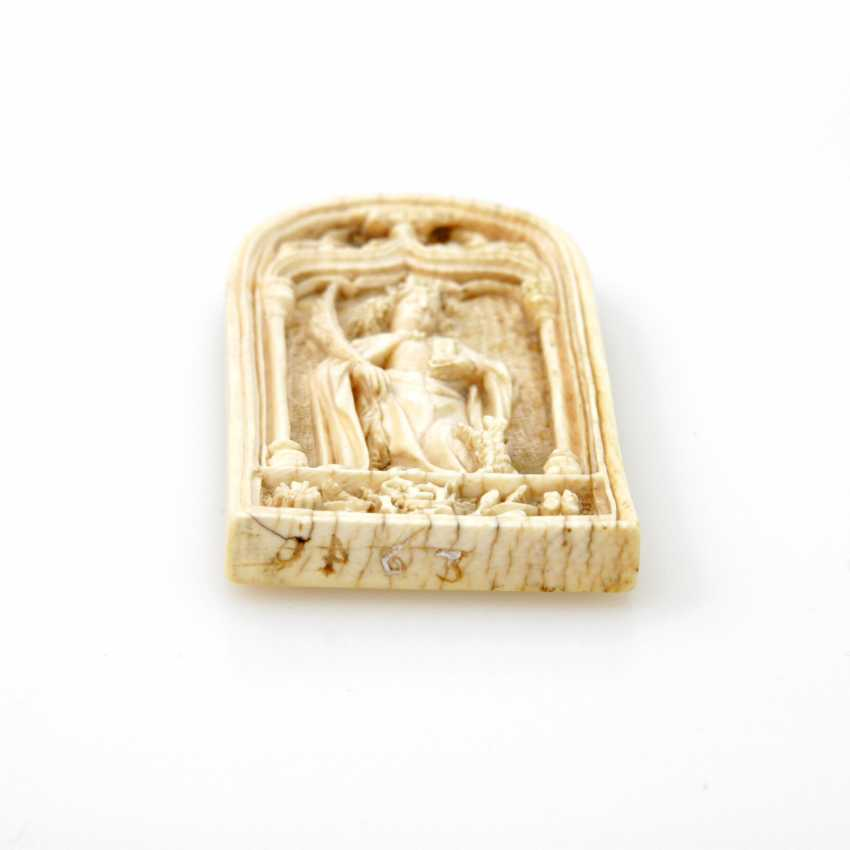 "Little Devotional-relief of ivory, probably FRANCE dated ""1463"" - photo 2"
