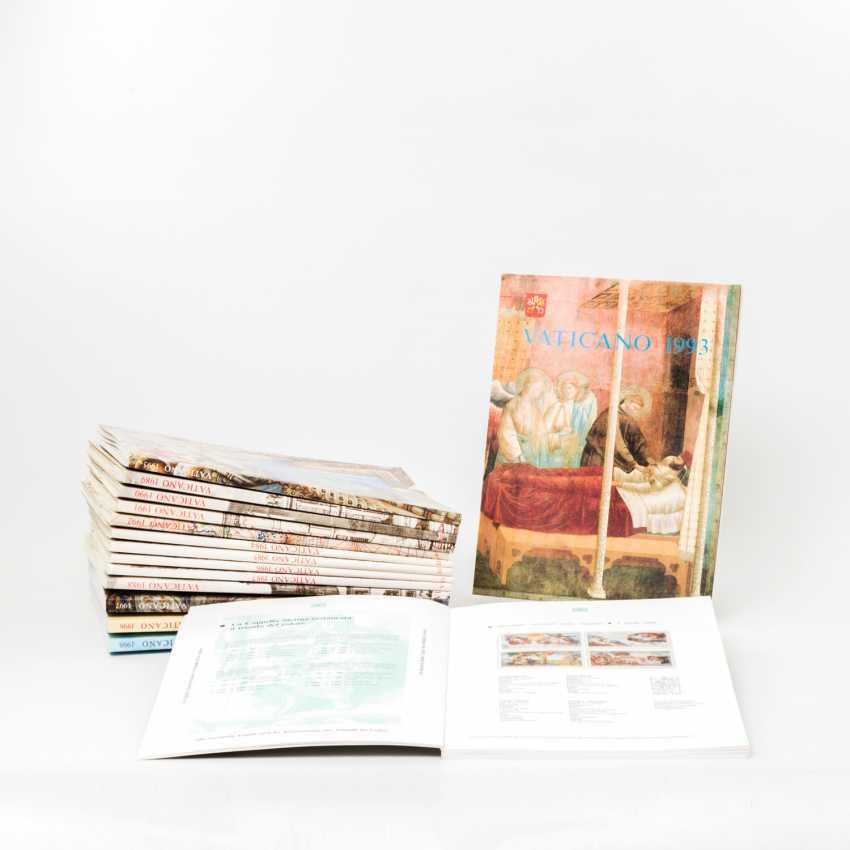 Vatican City - A 15-Year Books, - photo 1
