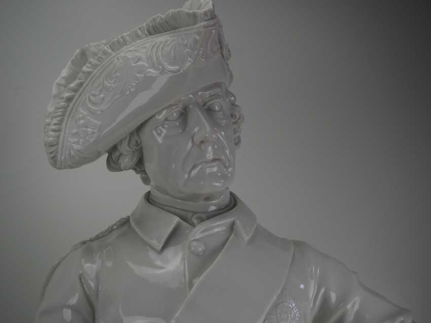 Шадов, Volkstedt: Фридрих Великий - Монументальной фарфоровой статуэткой. - фото 2