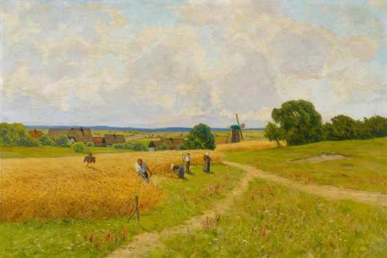 Farmers at the grain harvest in Ahrenshoop - photo 1