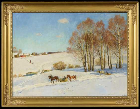 Wide winter landscape with horse-drawn sleigh - photo 2
