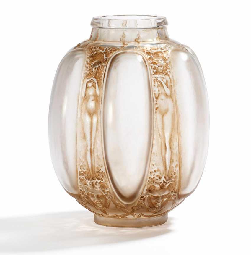 "Vase ""Six figurines et masques"" - photo 1"