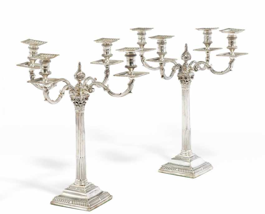 Pair of large George III girandoles with a column shaft - photo 1