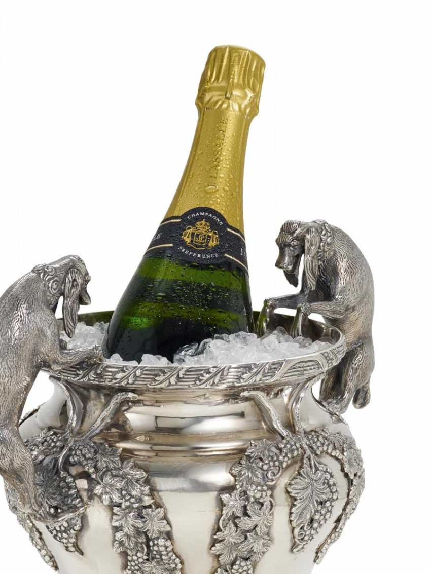 A magnificent champagne cooler with dogs - photo 1